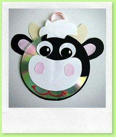 beautiful animal pig shape wall hanging made out of waste cd