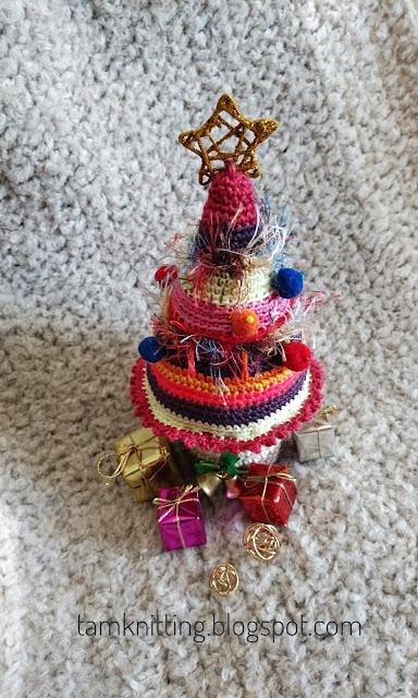 Patrón amigurumi Arbol de Navidad a crochet | Tamknitting | 640x384