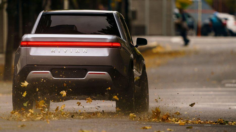 Rivian's R1T A 400 Mile Luxury Electric Pickup Truck That Does 0-60 MPH In 3 Seconds