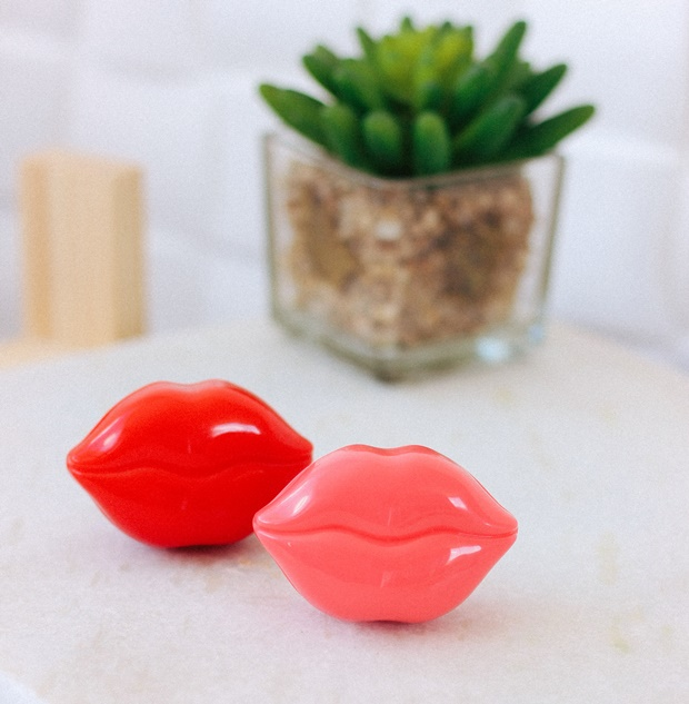 Lips, Tonymoly, Style Korean, Kiss Kiss Lip Essence Balm SPF 15 PA+, Tony Moly Kiss Kiss Lip Scrub, esfoliante para os lábios, hidratante para os lábios, lips scrub, cuidados com os lábios da boca