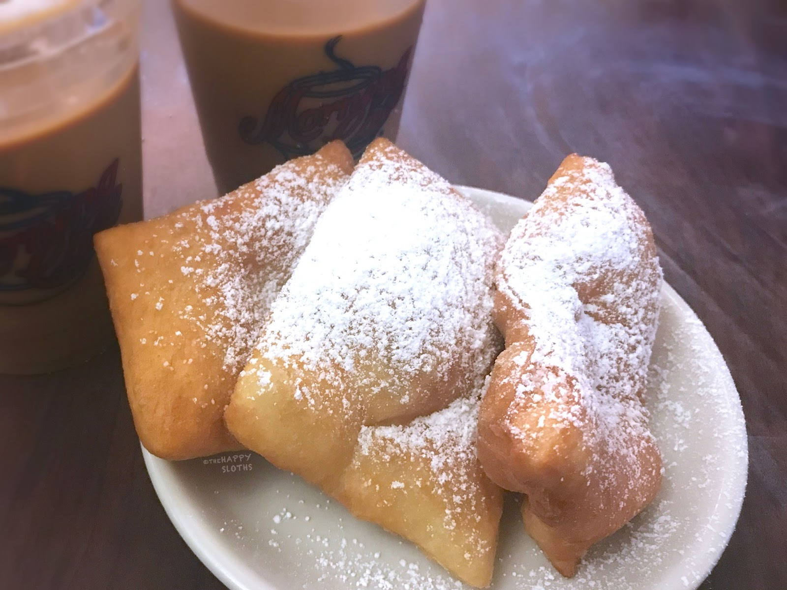 What to Eat in New Orleans: Morning Call | Cafe au Lait & Beignet