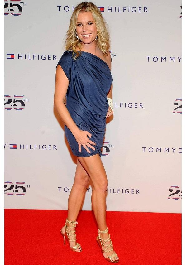 Celebrity heights how tall are celebrities heights of - Rebecca romijn measurements ...