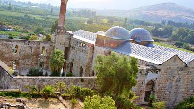 Efes Antik Kenti-İsa Bey Camii Fotoğrafı