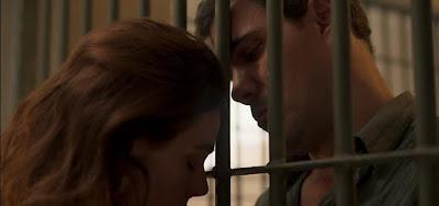 Betina (Isis Valverde) e Magno (Juliano Cazarré) em cena da novela: preso, frentista correrá risco de morrer