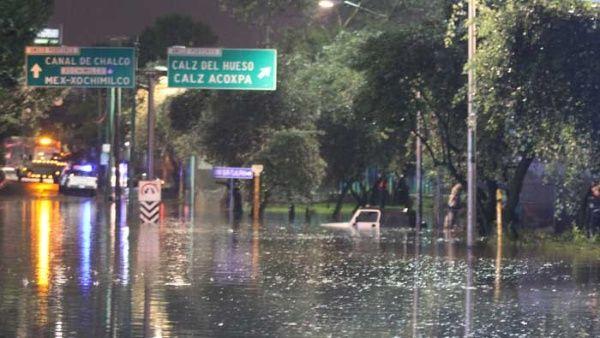 Huracán Katia se intensifica frente a costa este de México