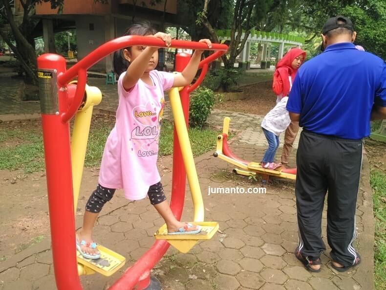 fasilitas kambang iwak park palembang