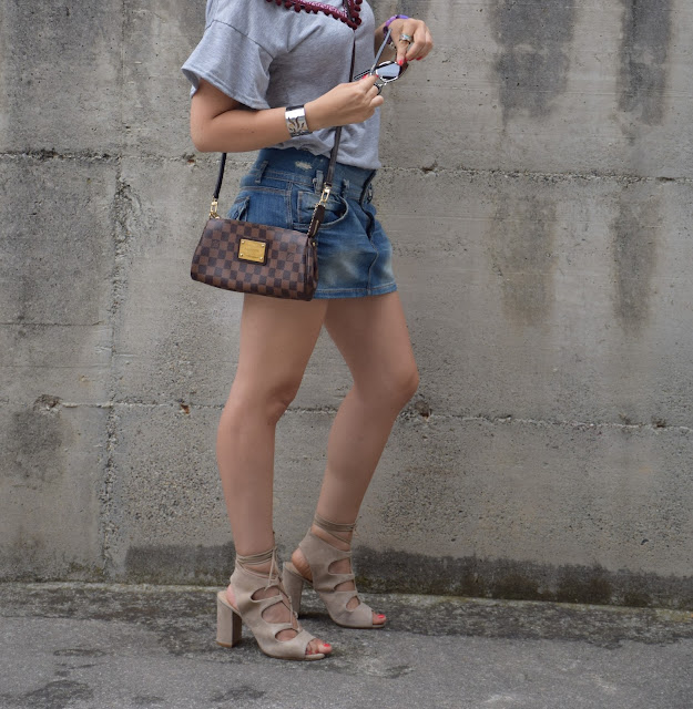 sandali color nude con lacci come abbinare i sandali nude con lacci outfit luglio 2017 outfit estivi mariafelicia magno fashion blogger colorblock by felym fashion blog italiani blog di moda blogger italiane di moda