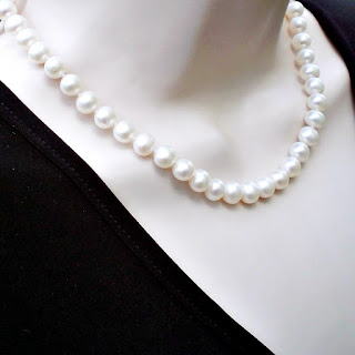 Workplace jewelry classic pearls
