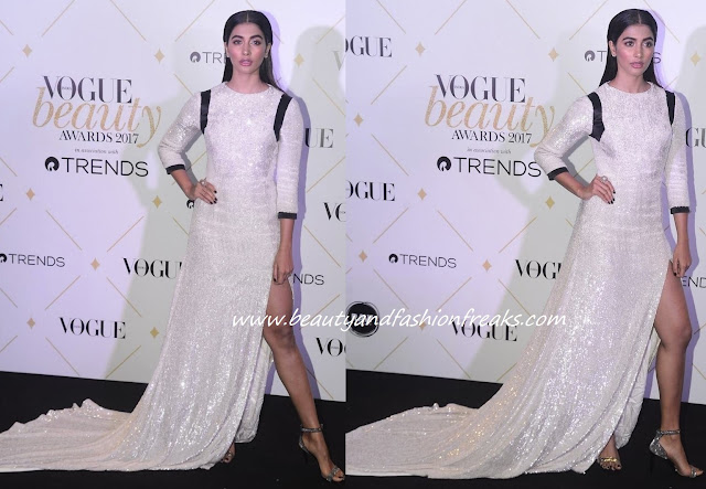 Pooja Hegde In Hasan Hejazi At Vogue Beauty Awards 2017