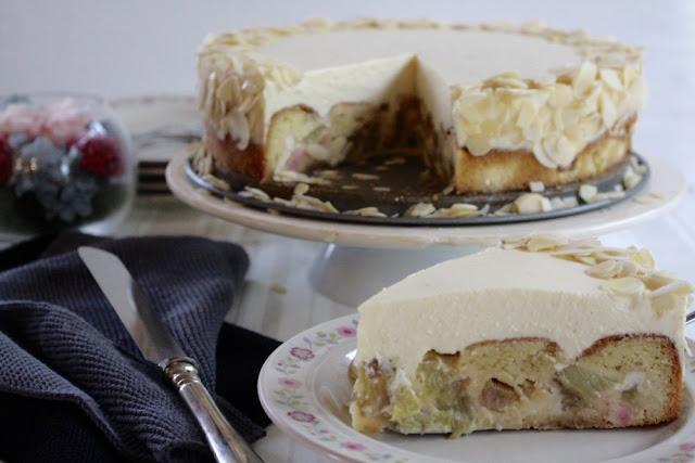 Rhabarber-Marzipan-Torte