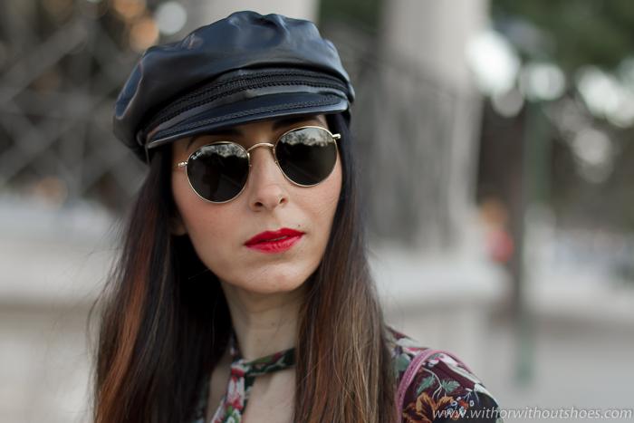 Complementos y accesorios tendencias de moda gorras gafas