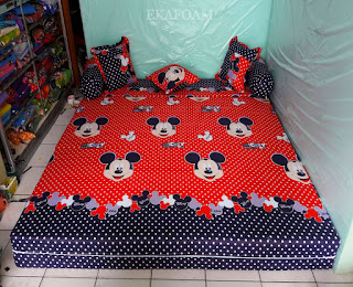 Sofa bed inoac motif micky mouse merah