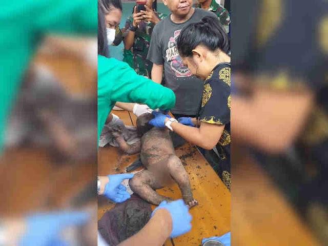 Anggota Yonif RK 751/VJS Selamatkan Bayi Korban Banjir di Sentani