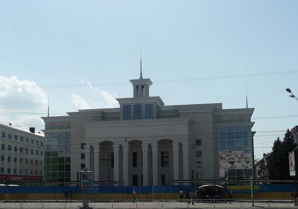 Херсон. Площадь Свободы. Кинотеатр «Украина». Бывший иллюзион