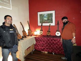 Luthier Claudio Rojas Caro  y Roberto Hernandez