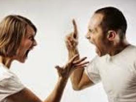 Setelah Pertengkaran Hebat,  Istri Pingsan Saat Suami Ngomong ini - Responsive Blogger Template