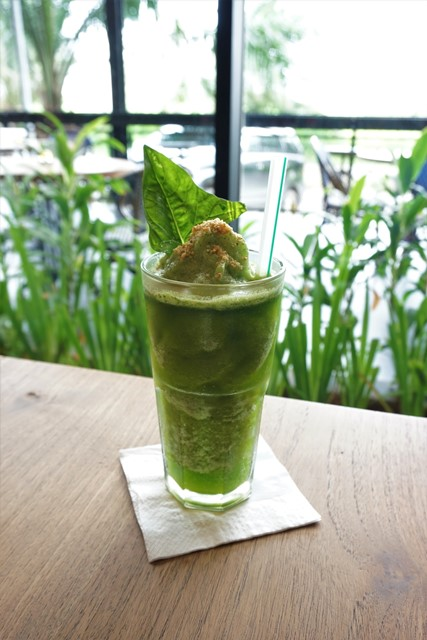 Menu minuman di Lvy Kitchen and Bar