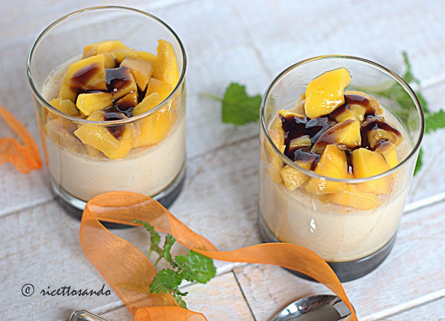 Panna cotta con mango ricetta dessert
