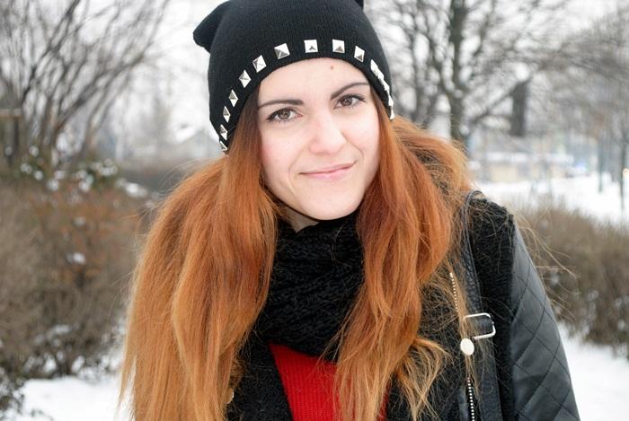 zimowa czapka z ćwiekami