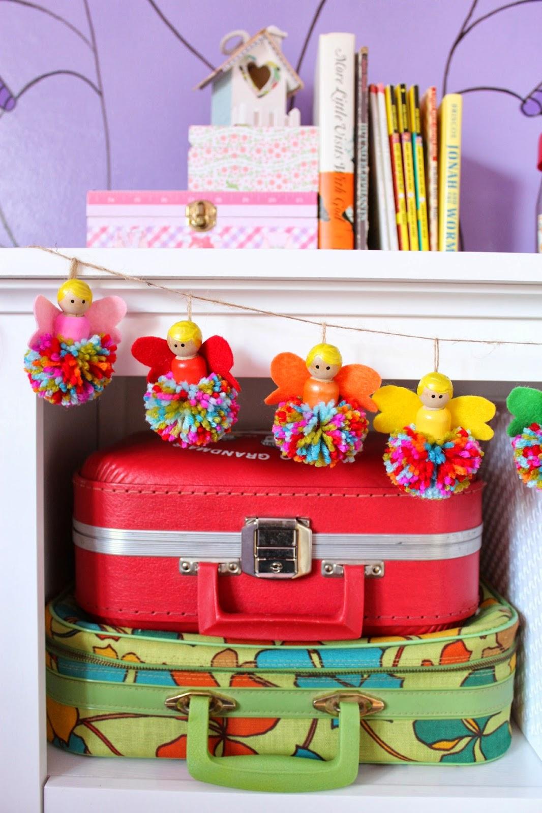Pom pom crafts, pom pom fairy garland
