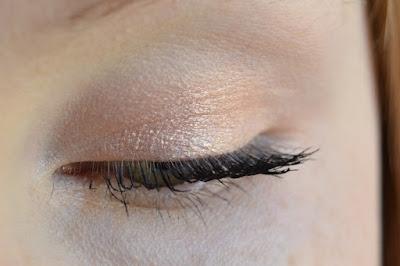 Catrice Aquafresh Highlighting Eyeshadow