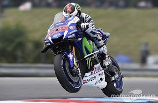 MotoGP Valencia: Lorenzo Tercepat FP1, Rossi Kedua