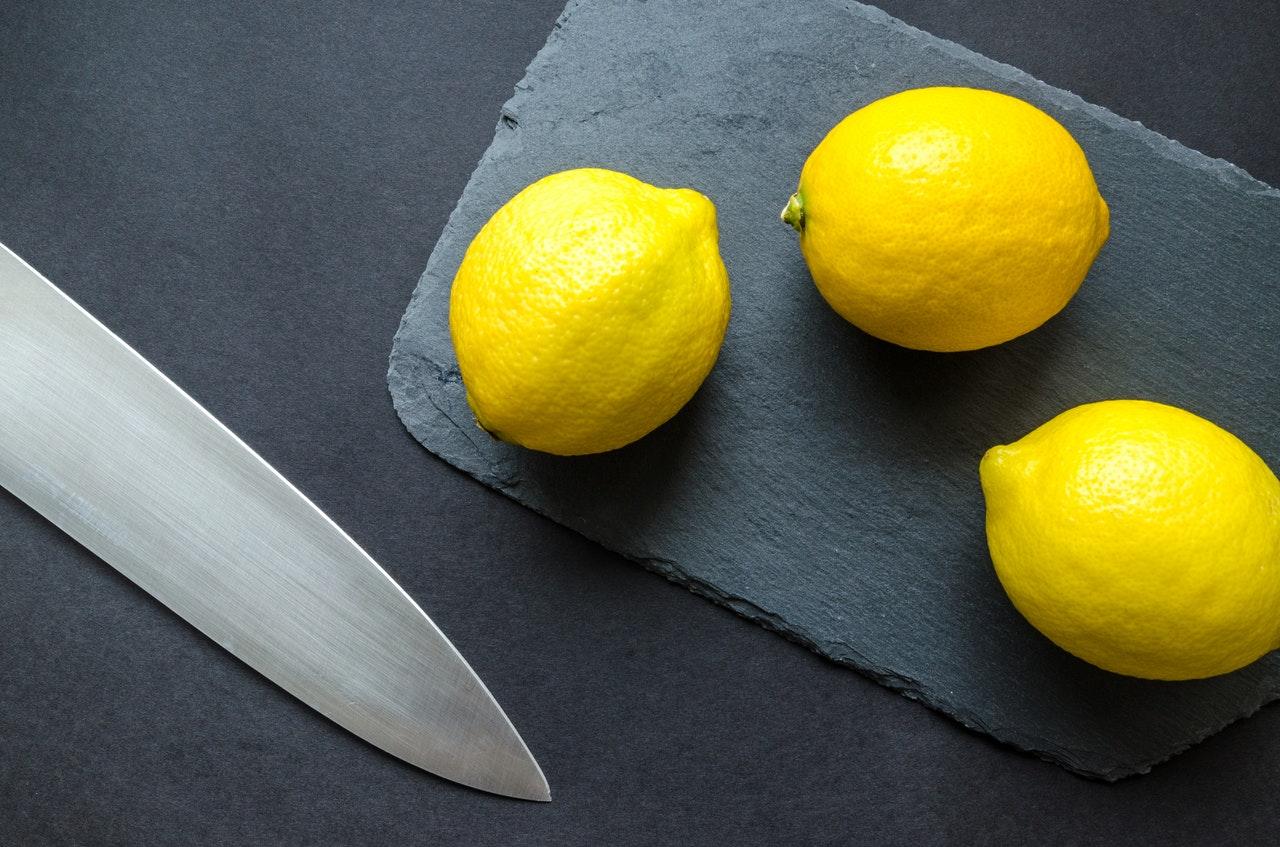 30 Unique Health Benefits of Lemon (Evidence Based)