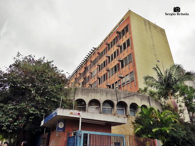 Vista ampla do prédio antigo do Instituto da Criança - HC -  Cerqueira César - São Paulo