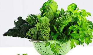 Ngoài ra người bệnh viêm amidan cấp tính và mãn tính cần chú ý đến chế độ ăn uống hàng ngày