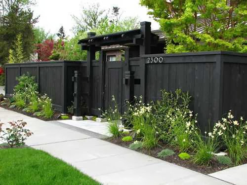 Fence Designs for Front Yards picture