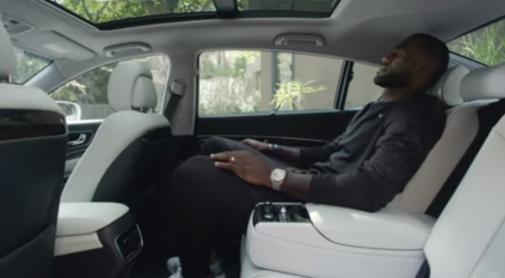 LeBron James en el nuevo comercial de Kia