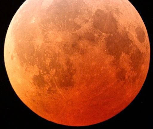 Gerhana Bulan Total 15 April Tak Nampak Indonesia
