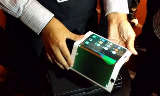 فيديو لتابلت Lenovo Folio القابل للطي