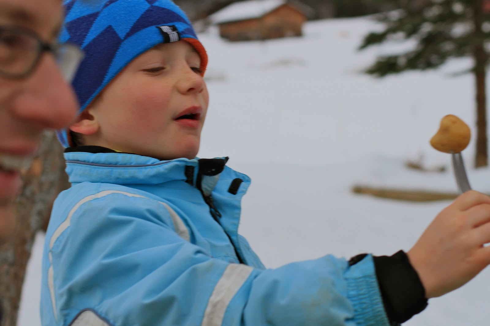 winter mensch schal handschuh lustig
