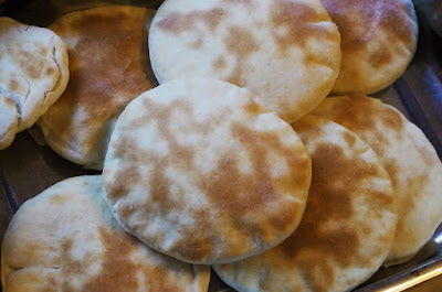 Τρόπος να κάνετε την αραβική πίτα κανονικό πιάτο που τρώγετε για να εντυπωσιάσετε τους καλεσμένους σας