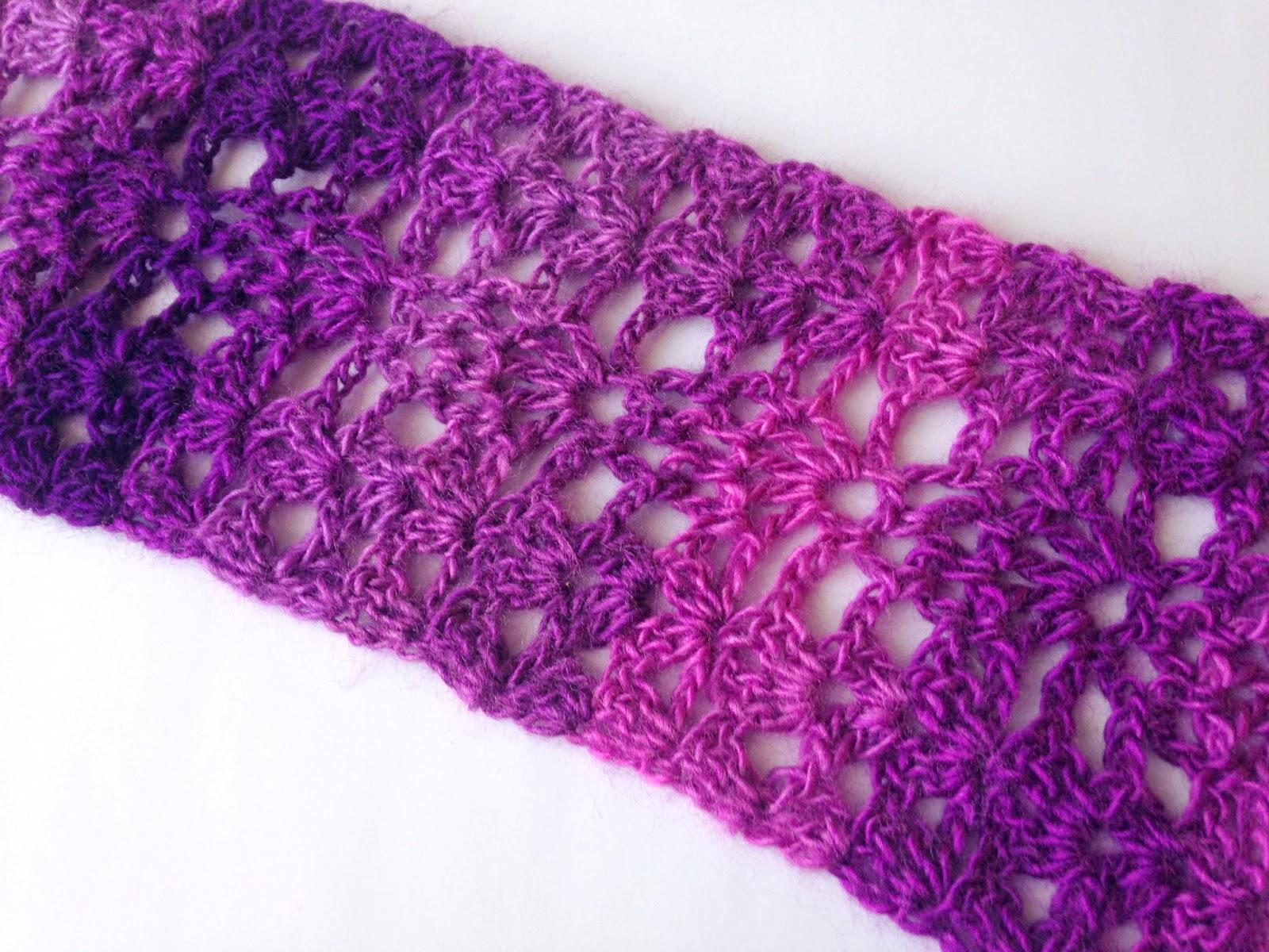 5 Little Monsters: Berry Scarf: Free Crochet Pattern