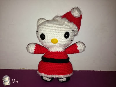 Kitty navideña amigurumi