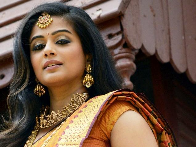 Priyamani Hot Images