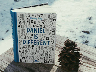daniel-is-different-buch