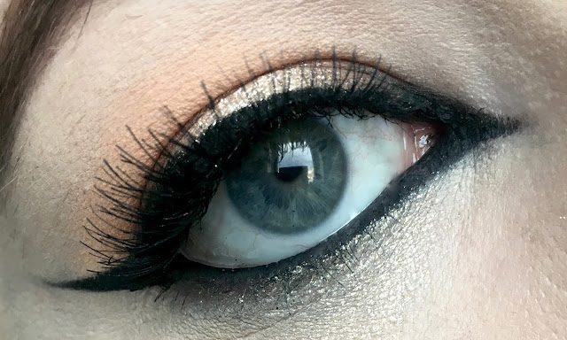 Glittery halo eye