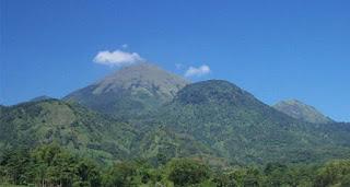 Gunung Penanggungan Indonesia | Koleksi Candi Peradaban Hindu Budha