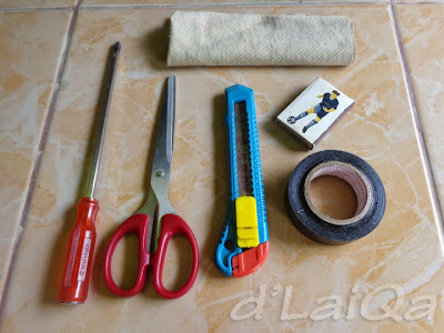 obeng (+), gunting, cutter, korek api isolasi listrik, lap kanebo