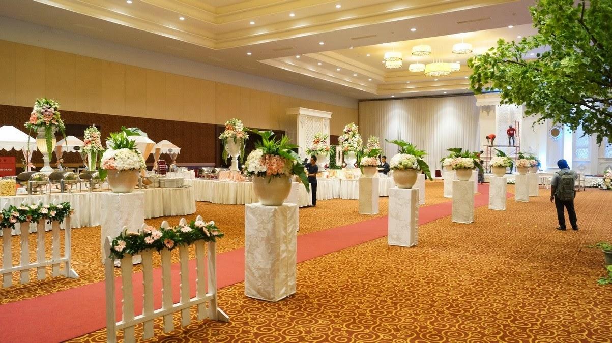 Dekorasi pernikahan kota blora aneka dekorasi pernikahan unik dan dekorasi pernikahan tema unggu junglespirit Image collections