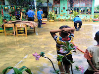 Banjir Genangi Sekolah, Kepsek SDN 51 Toli-Toli Hubungi Damkar Pangkep, Ini Alasannya