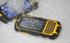 Standar Ketahanan Handphone Outdoor