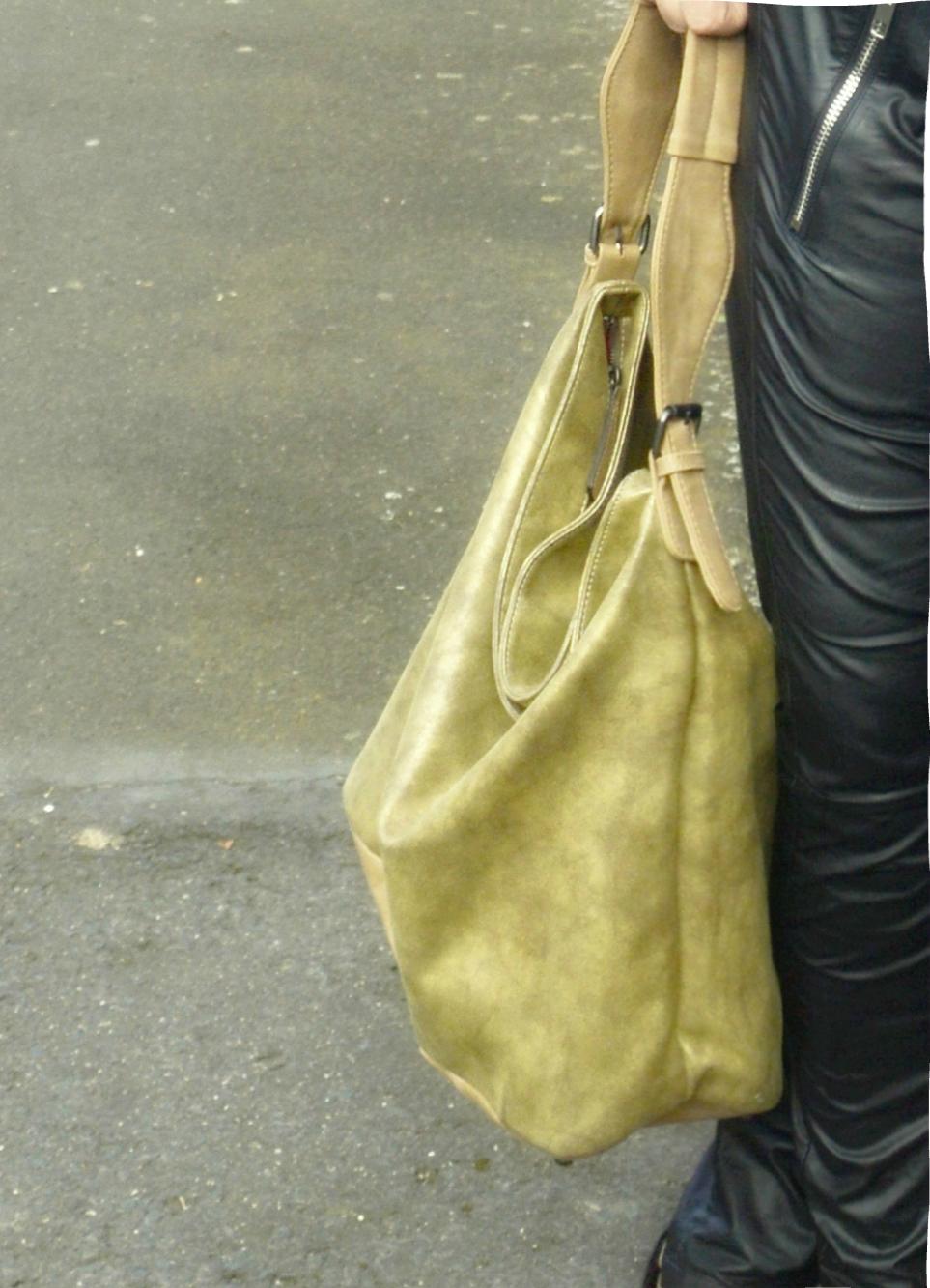 Autumn Streetstyle with Blouse & Retro adidas Blouson Hobo Bag by FRITZI AUS PREUßEN