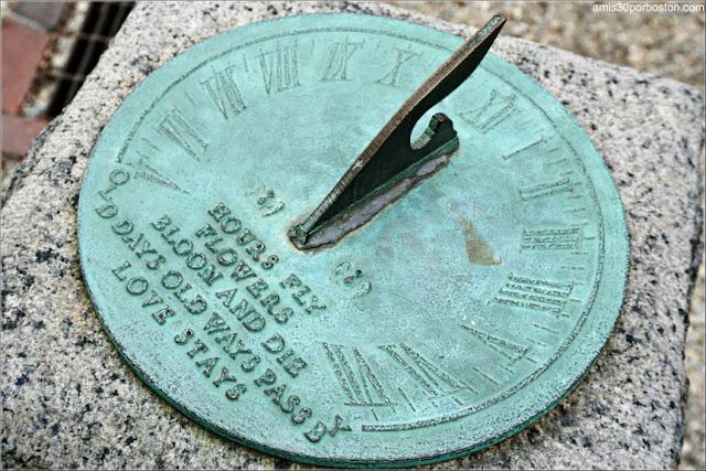 Reloj Solar del Jardín de la Mansión Ropes en Salem