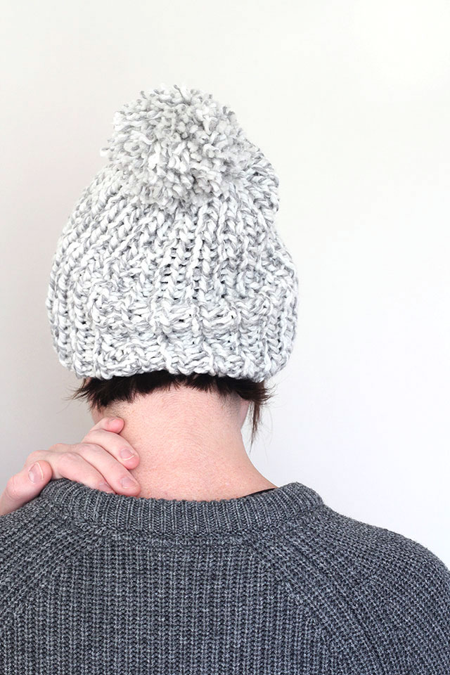 Super simple knitted hat DIY tutorial