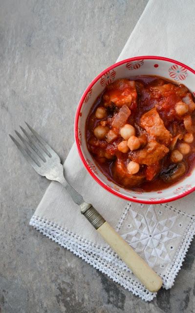 Crockpot Veggie Sausage, Mushroom & Chickpea Stew