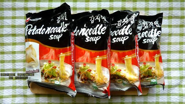 夢/游 holiday dreaming by vjie83: 【食記】韓國:NONGSHIM 農心馬鈴薯麵 • 能把鮮甜湯汁吸飽飽的Q彈清新馬鈴薯麵